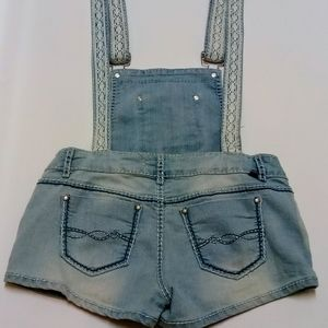 Almost famous overall shorts O1